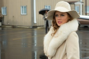 Amy-Adams-in-American-Hustle