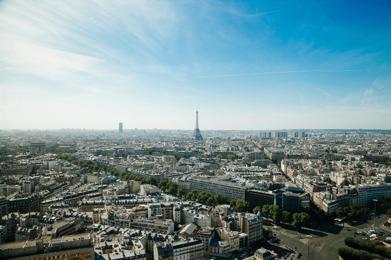 paris-918992_1280